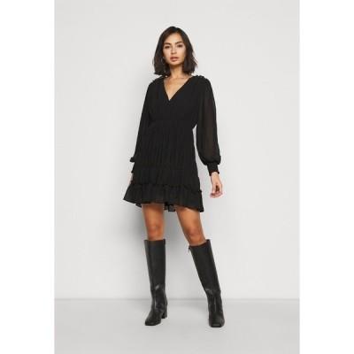オブジェクト プティ ワンピース レディース トップス OBJGILA SMOCK DRESS - Day dress - black