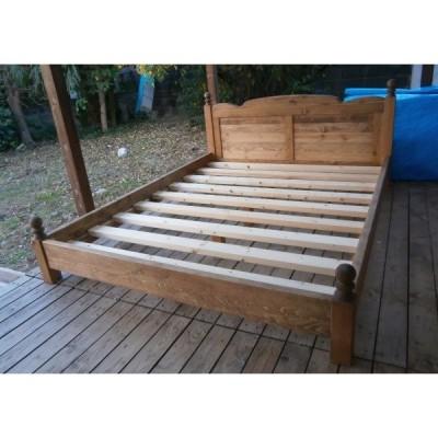 ロクロ脚ベッド クイーンサイズ