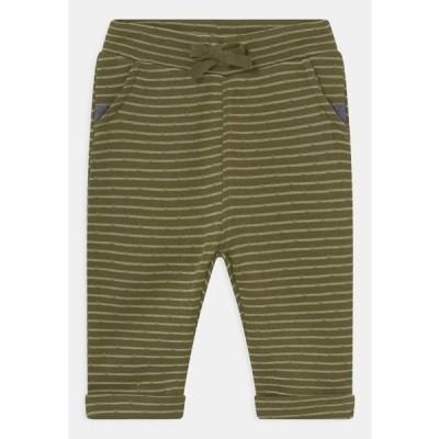 キッズ ファッション NBMSEFON - Trousers - winter moss
