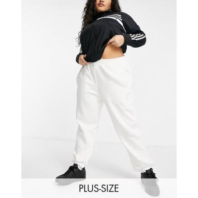アディダス adidas Originals レディース ジョガーパンツ ボトムス・パンツ 'Cosy Comfort' Plus Oversized Cuffed Joggers In Off White ホワイト