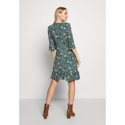 ウォリス  ワンピース レディース トップス DITZY FLORAL RUFFLE FLUTE DRESS - Day dress - green