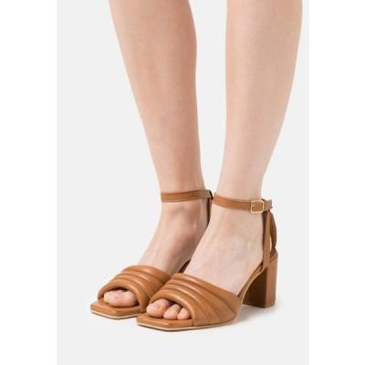 レディース 靴 シューズ BERNE - Sandals - tan