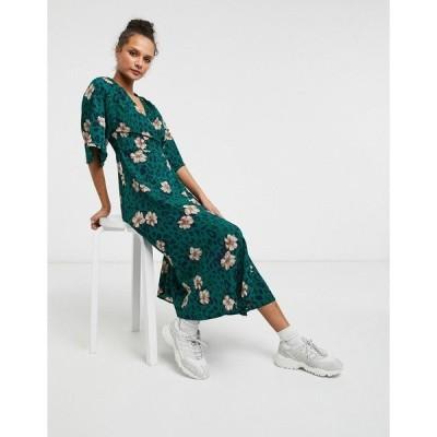 リクオリッシュ レディース ワンピース トップス Liquorish kimono sleeve wrap midi dress in green animal and floral print Green floral
