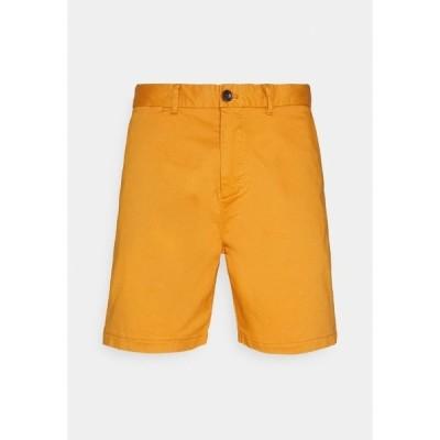 スコッチアンドソーダ カジュアルパンツ メンズ ボトムス STUART CLASSIC - Shorts - rust