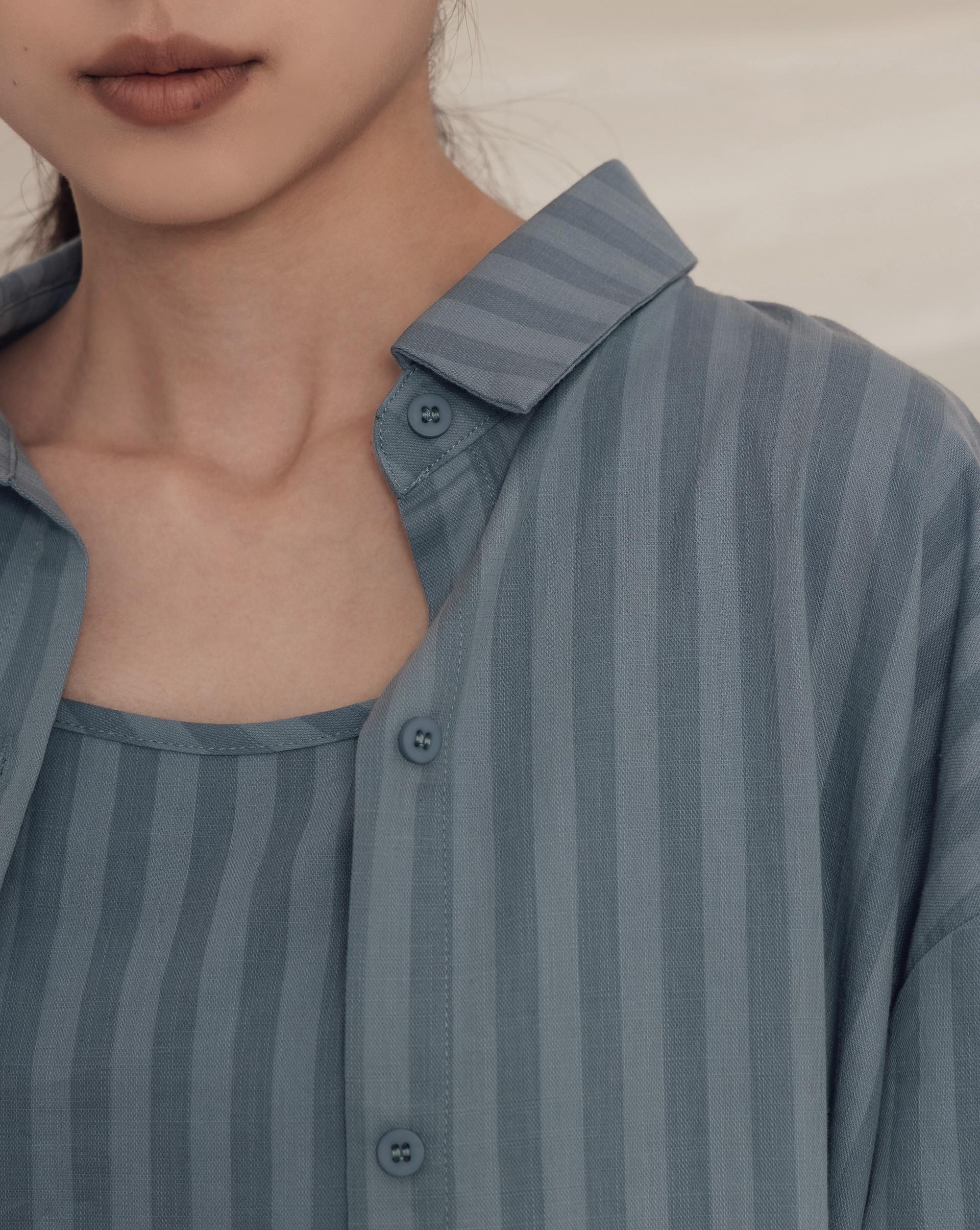 俐落排釦長袖襯衫-Meierq
