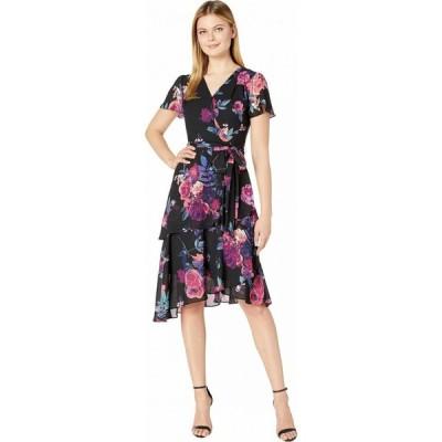 タハリ Tahari by ASL レディース ワンピース ティアードドレス Short Sleeve Printed Chiffon Dress with Asymmetrical Tiered Hemline Pink/Purple Floral