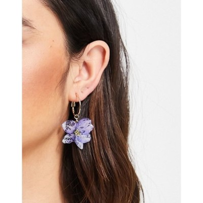 モンキ レディース ピアス・イヤリング アクセサリー Monki Bianca flower drop hoop earrings in gold