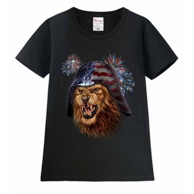 【星条旗のヘルメットをかぶるライオン】レディース 半袖 Tシャツ ブラック