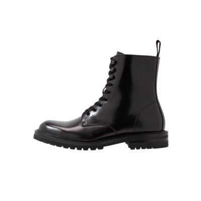 スティーブ マデン ブーツ&レインブーツ メンズ シューズ KOMMBAT - Lace-up ankle boots - black