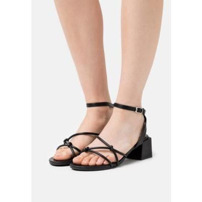 レディース 靴 シューズ WIDE FIT TENNESSEE - Sandals - black