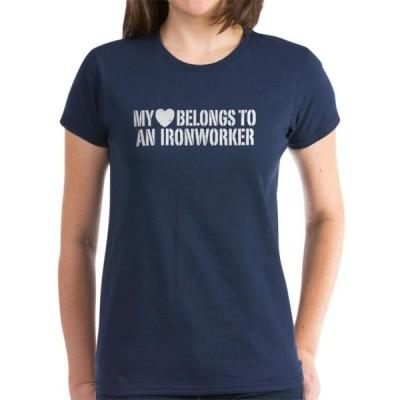 レディース 衣類 トップス CafePress - My Heart Belongs To An Ironworker Women's Dark T-S - Women's Dark T-Shirt グラフィックティー
