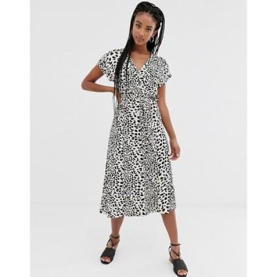 オアシス レディース ワンピース トップス Oasis leopard print midi shirt dress in white