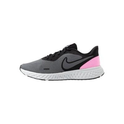 ナイキ シューズ レディース ランニング REVOLUTION 5 - Neutral running shoes - black/psychic pink/dark grey