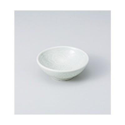 珍味 和食器 / 唐草千代口ヒワ青磁 寸法:8.6 x 3.2cm