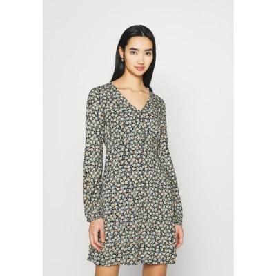 ヴェロモーダ レディース ファッション VMMILDA SHORT DRESS - Day dress - black/jadeite milda