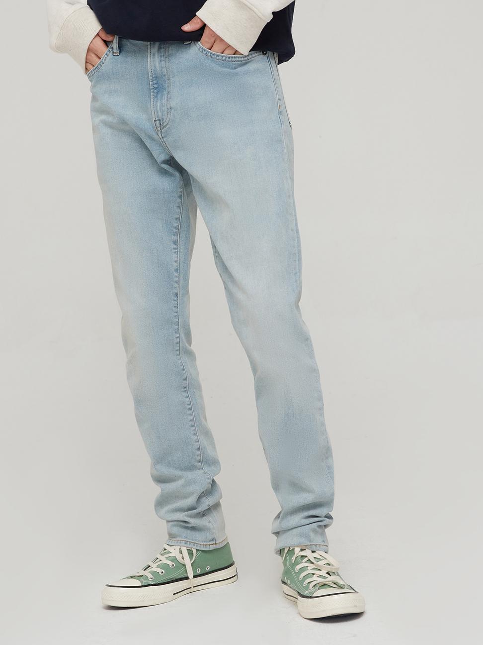 男裝 淺色水洗中腰修身款牛仔褲