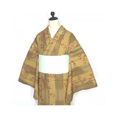 小紋 黄土色地縞 萩柄 高級化繊 洗える小紋 中古 トールサイズ L 縞 着物 ポリエステル