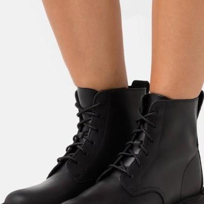 クラークス レディース 靴 シューズ DESERT MALI - Lace-up ankle boots - black polished