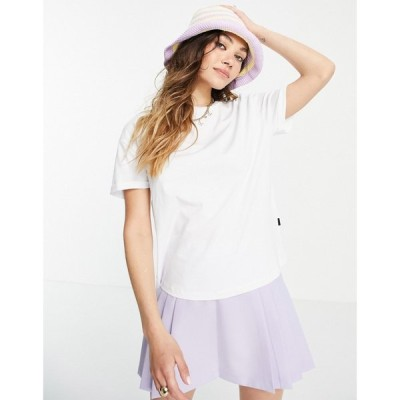 ノイズィーメイ Noisy May レディース Tシャツ トップス Crew Neck T-Shirt In White ホワイト
