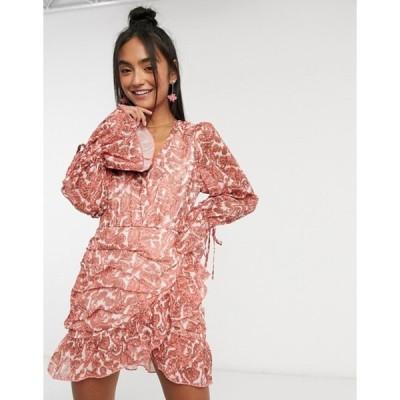 インザスタイル レディース ワンピース トップス In The Style x Saffron Barker wrap detail balloon sleeve ruched dress in coral paisley print