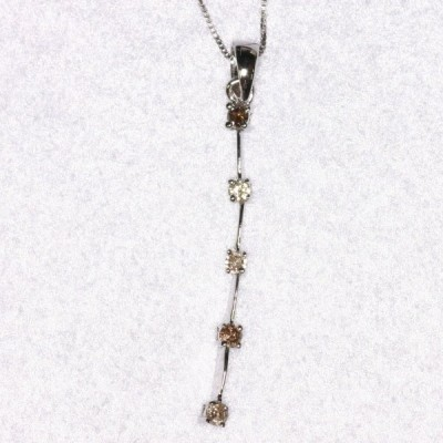 B-7  18金 K18WG 5石コニャックダイヤのペンダント / ペンダントトップのみ(チェーンは別売)