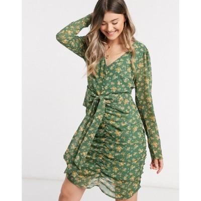 ヴィラ ミニドレス レディース Vila chiffon mini dress with ruched front in green floral エイソス ASOS マルチカラー