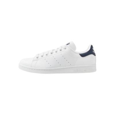 アディダスオリジナルス スニーカー メンズ シューズ STAN SMITH VEGAN SPORTS INSPIRED SHOES UNISEX - Trainers - footwear white/collegiate navy/green