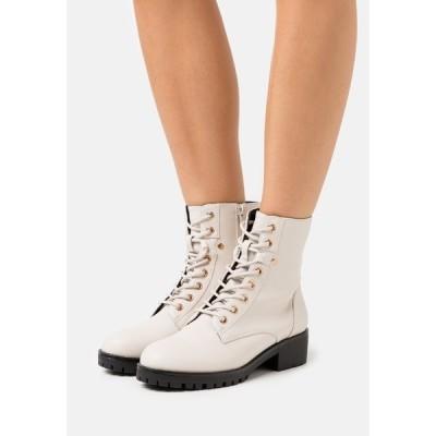 アンナフィールド ブーツ&レインブーツ レディース シューズ Lace-up ankle boots - offwhite
