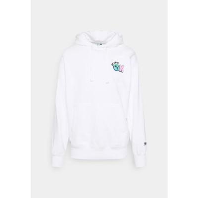 プーマ メンズ ファッション DOWNTOWN GRAPHIC HOODIE - Hoodie - white