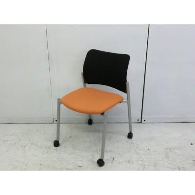 68151カートチェア オカムラ オレンジ 幅:490 奥行:530 高さ:780 カラー:オレンジ