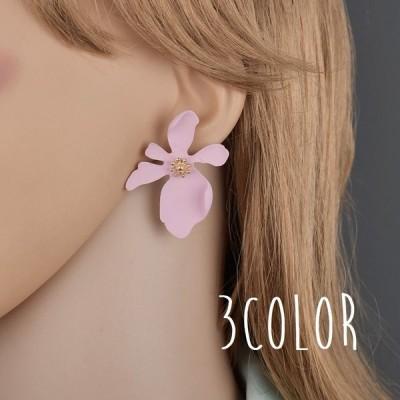 ピアス レディース アクセサリー 花 フラワーモチーフ 花びら 耳飾り ゴールドカラー デイジー おしゃれ かわいい 女性用 耳飾り 婦人用 ピンク