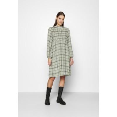 サントロペ レディース ワンピース トップス BECCA DRESS - Day dress - oil green oil green