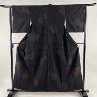 結城紬 美品 逸品 証紙 奥順 子持ち亀甲 亀甲絣 黒 袷 身丈158cm 裄丈64cm M 正絹 中古