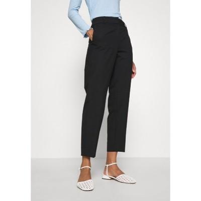 セレクテッドフェム カジュアルパンツ レディース ボトムス SLFRIA CROPPED PANT - Trousers - black