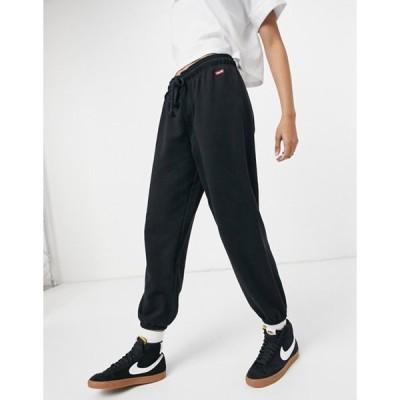 リーバイス レディース カジュアルパンツ ボトムス Levi's box tab logo sweatpants in black