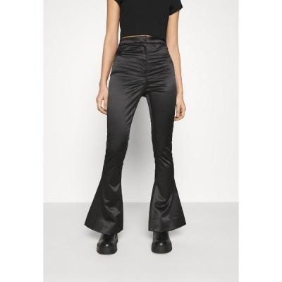 ウィークデイ カジュアルパンツ レディース ボトムス ALECIO FLARE TROUSER - Trousers - black