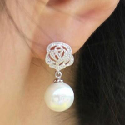 ローズパールイヤリング(1ペア) 両耳 薔薇 バラ 真珠 花 フラワー クリスタル 穴あけなし 開けない レディース フェイクピアス はさむ 挟