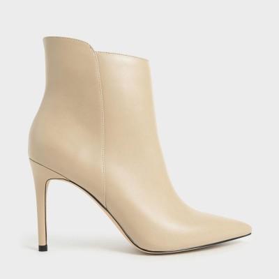 テクスチャード スティレットヒールアンクルブーツ / Textured Stiletto Heel Ankle Boots (Beige)