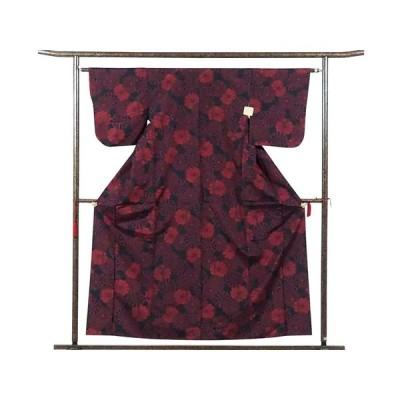 リサイクル着物 紬 正絹黒地赤絣袷紬アンサンブル