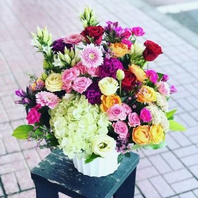 お祝い バレンタイン 卒業祝い 母の日 花競技会優勝者が作るオリジナルフラワーアレンジメント 花束 季節の花束  花 フラワー フラワーアレンジ
