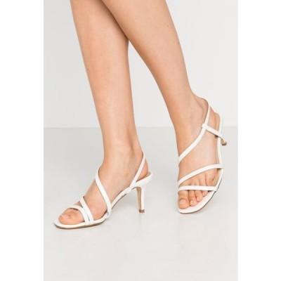レディース サンダル WIDE FIT MONTREAL - Sandals - white