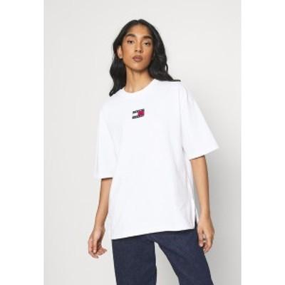 トミーヒルフィガー レディース Tシャツ トップス OVERSIZED BADGE SLIT TEE - Print T-shirt - white white