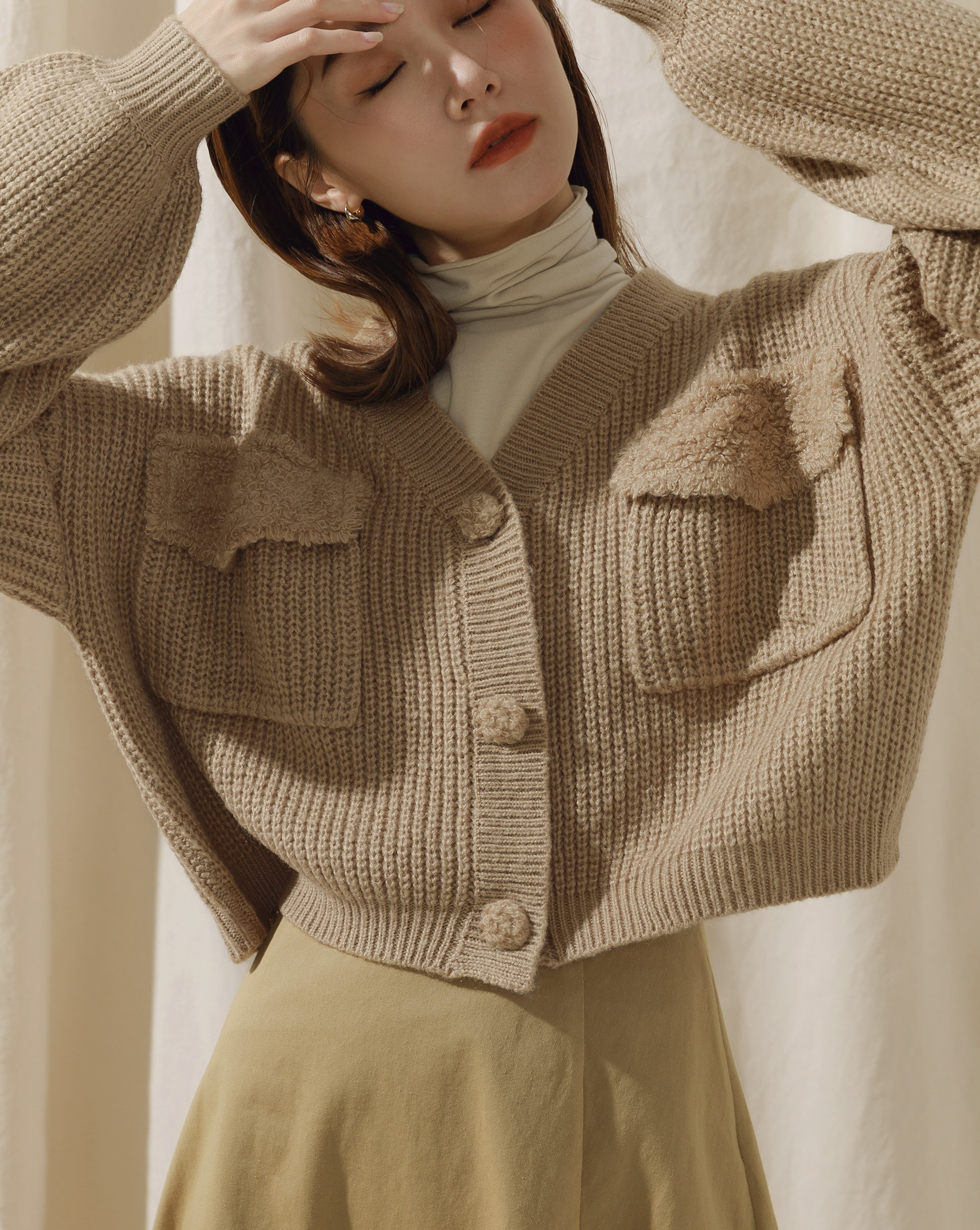 Monroe-毛毛感拼接粗針織寬鬆V領針織外套-Meierq