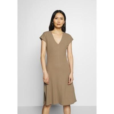 マルコポーロ レディース ワンピース トップス JERSEY-DRESS, V-NECK, SLITS - Jersey dress - shaded walnut shaded walnut
