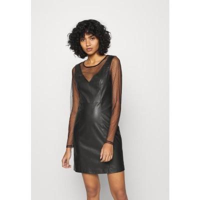 オンリー レディース ドレス ONLBRITT DRESS - Shift dress - black