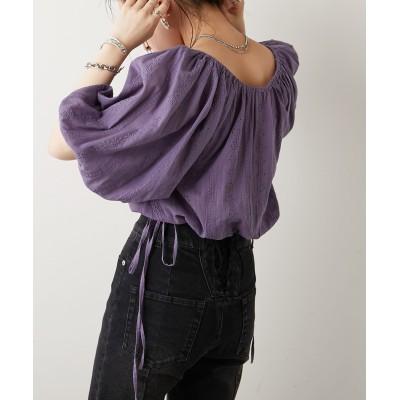 クロップドボリューム袖刺繍ブラウス