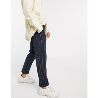 ヴィーゴ Viggo メンズ クロップド ボトムス・パンツ recycled polyester tapered cropped trousers in navy with stripe ネイビー