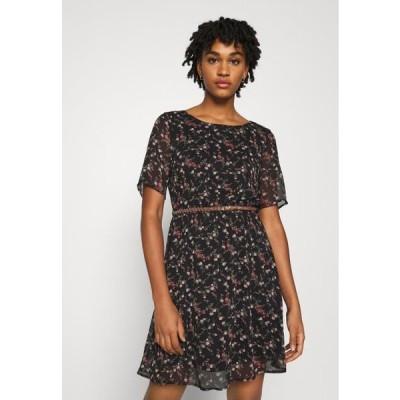 ヴェロモーダ レディース ドレス VMSYLVIA BELT SHORT DRESS - Day dress - black/rose flowers