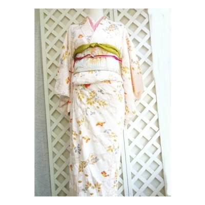 中古着物 和服単ピンク 小紋 鮮やかな薄紅花模様 ほぼ新品 リサイクル着物 アンティーク 着付け練習用 Sクラス