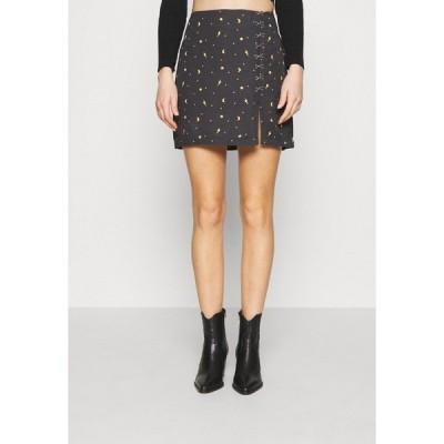 ミルクイット スカート レディース ボトムス MYSTICAL SKIRT THIGH SPLIT & HOOK & EYE DETAILING  - Mini skirt - black